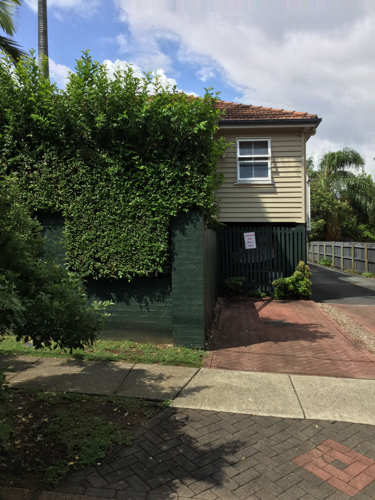 parking on Moray Street in New Farm QLD
