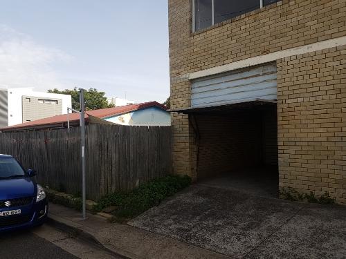 Lock up garage parking on Forsyth St in Kingsford