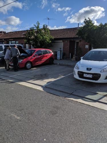 parking on Melrose Dr in Tullamarine VIC 3043