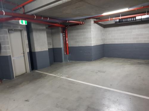 parking on Siddeley St in Docklands VIC 3008