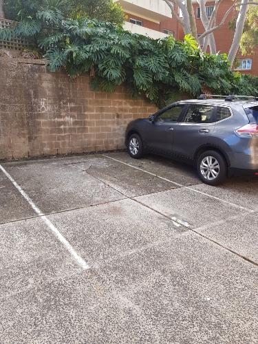 parking on Fairlight St in Fairlight NSW 2094