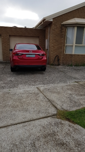 Driveway parking on Dundee St in Reservoir VIC 3073