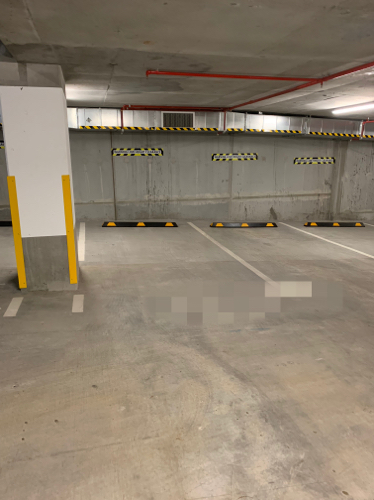 Indoor lot parking on Hope St in South Brisbane QLD 4101