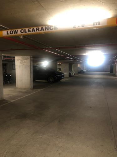 Lock up garage parking on Queen St in Melbourne VIC 3004