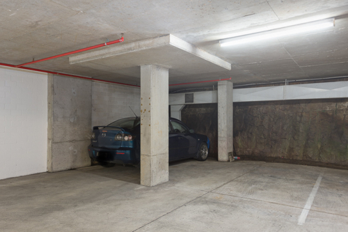 Indoor lot parking on Bayswater Rd in Potts Point