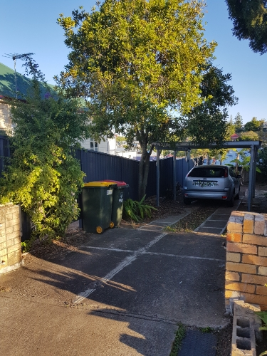 parking on Crown St in South Brisbane QLD 4101