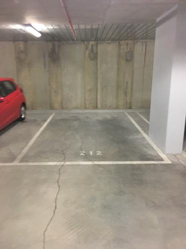 parking on Wellington Street in Collingwood VIC