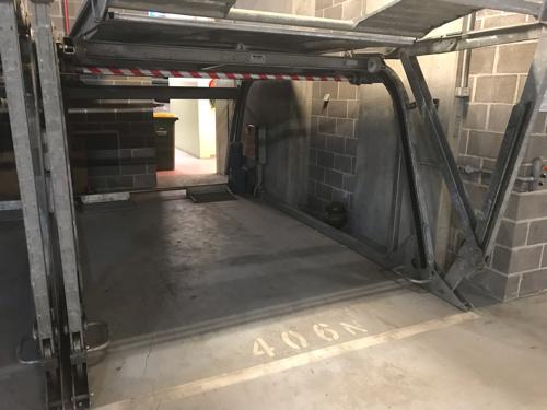 parking on Toorak Rd in South Yarra VIC 3141