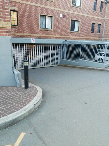 parking on Henty St in Braddon ACT 2612