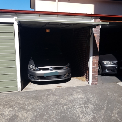 Lock up garage parking on Upper Pitt St in Kirribilli