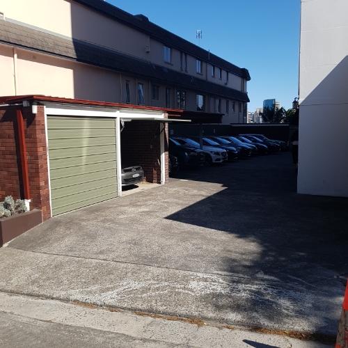 parking on Upper Pitt St in Kirribilli NSW 2061