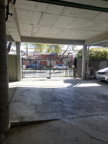 parking on Carlisle St in St Kilda VIC 3182