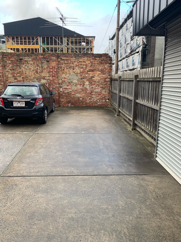 parking on Somerset St in Richmond VIC 3121
