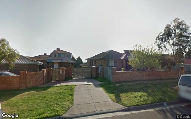 parking on Bicentennial Cres in Meadow Heights VIC 3048