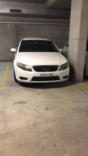 parking on William Ln in Redfern