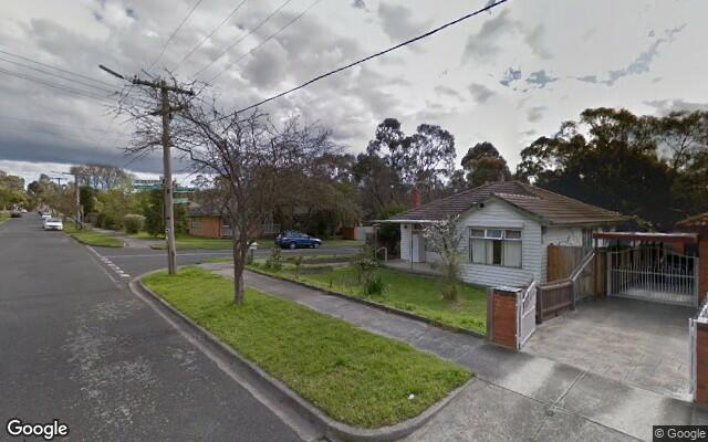 Driveway parking on Glengarry Ave in Burwood VIC 3125