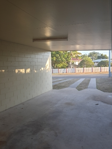 Driveway parking on Jerrang Ct in Rasmussen QLD 4815