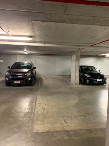 Indoor lot parking on Lonsdale St in Melbourne