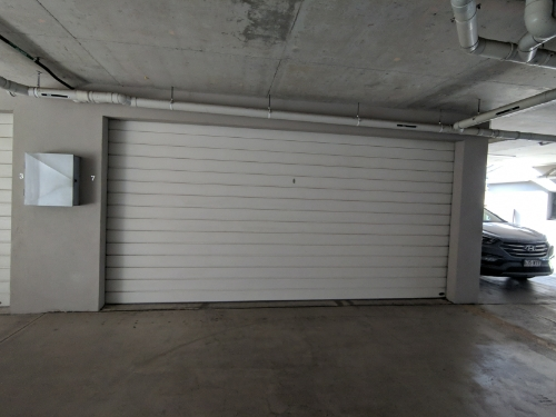 Lock up garage parking on Stamford St in Yeerongpilly