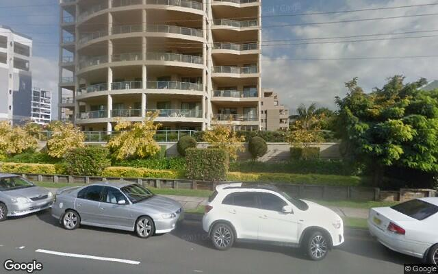parking on Corrimal St in Wollongong
