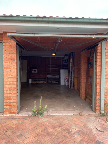 Lock up garage parking on Windsor Rd in Baulkham Hills