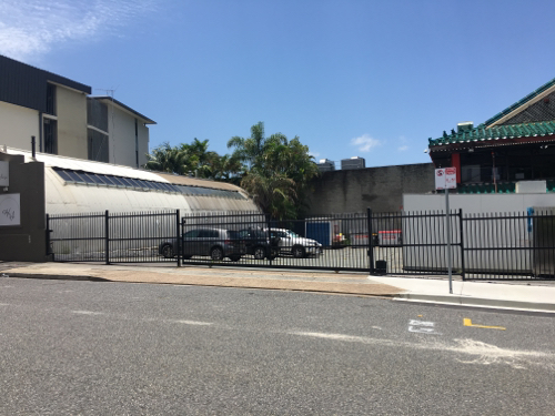 parking on Warry St in Fortitude Valley