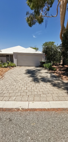 Driveway parking on Burdham way in Balga