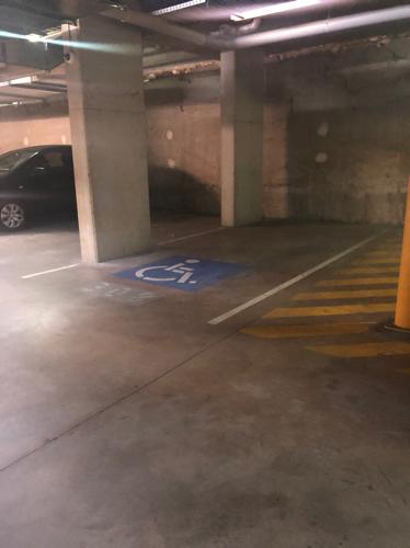 parking on Rosebery Ave in Rosebery