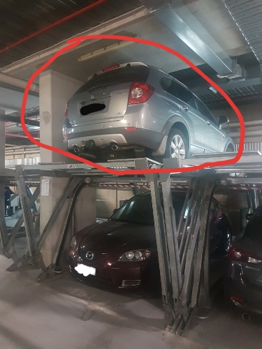Indoor lot parking on Toorak Rd in South Yarra