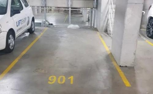 Indoor lot parking on Gardeners Rd in Mascot