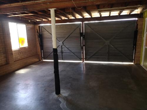 Lock up garage parking on Valentia St in Mansfield