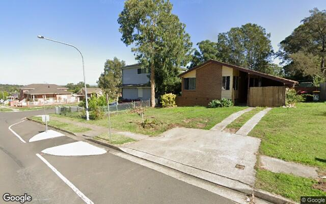 parking on Arnott Rd in Quakers Hill