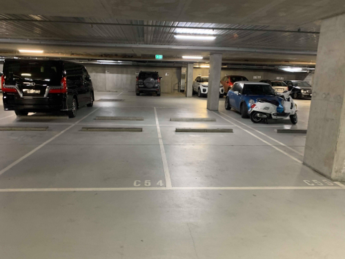 Indoor lot parking on Studio Ln in Docklands