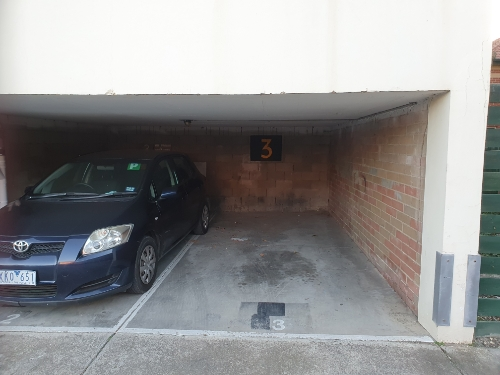Discreet Easy Access Carport