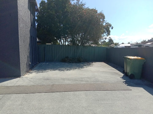 Outside parking on Seabrook Street in Elanora Queensland