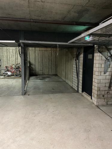 Lock up garage parking on Palmer St in Woolloomooloo