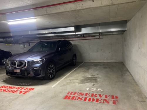 Indoor lot parking on George St in Brisbane City