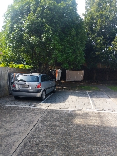 Driveway parking on Bronte Road in Bronte New South Wales
