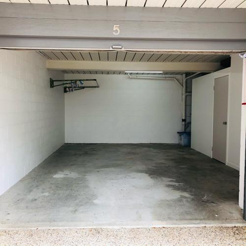 Lock up garage parking on Fortitude St in Brisbane City