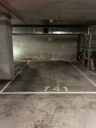 Secure undercover car park in secure building!