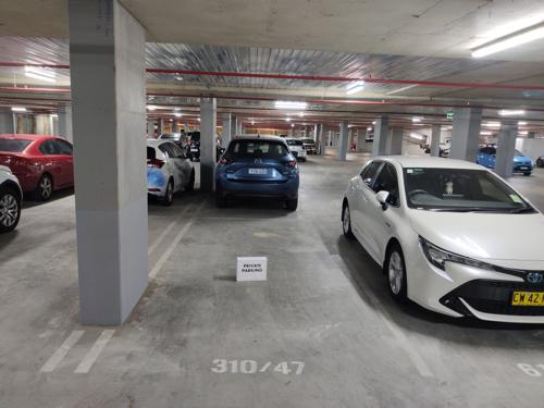 City Founderslane underground parking lot, 2 mins walk to city center!