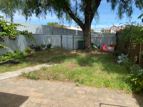 Nice and cosy backyard parking