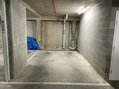 Secure underground carpark in the heart of Carlton- close to University and Primary School