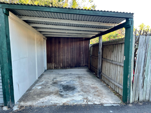 Covered parking, safe and quiet spot to leave your vehicle with easy access to Crows Nest and more