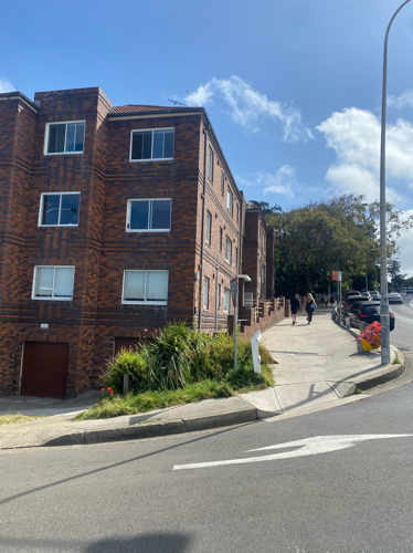 Bondi Road/ Sandridge St parking space 3-mins walk to Bondi Beach, 8-mins walk to Tamarama Beach.